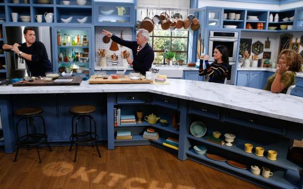 New Quarantine Edition Episodes Of The Kitchen To Premiere On Food Network Starting April 25 The Nerds Templar